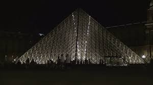 louvre museum at sunset wallpapers night view glass pyramid monument louvre museum square crowded