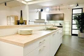 lapeyre plan de travail cuisine plan de travail cuisine bois cuisine contemporaine blanche mat plan