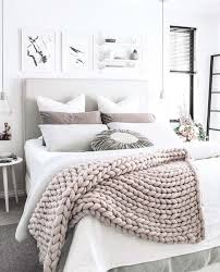Decorating Bedroom Walls by The 25 Best White Bedroom Decor Ideas On Pinterest White