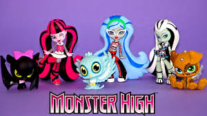 Monster Halloween Ottawa by Monster High Pet Vinyl Figures Frankie Watzit Draculaura Count
