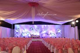 know about few quirky non traditional indian wedding decoration