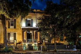 House Tours by Savannah Ghost Tours Featuring Storyteller Nicholas Wood