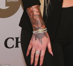 iggy azalea shows off her sleeve tattoo for the first time at gq