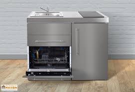 en cuisine avec mini cuisine inox avec lave vaisselle et vitrocéramiques mpgses110