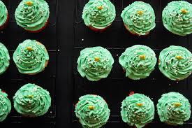 dreamy vanilla christmas tree cupcakes u2013 30 pounds of apples