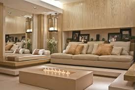 holz wohnzimmer ein couchtisch aus holz fügt wärme und natürlichkeit im wohnzimmer bei