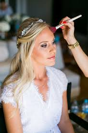 wedding hair and makeup scheduling tips to keep everyone on time