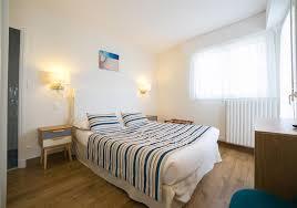 hotel chambre avec bretagne location d appartement en bord de mer à l hôtel de la plage