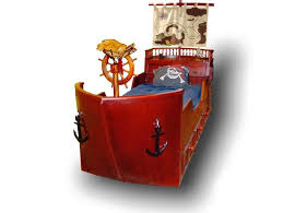 Pirate Ship Bedroom by Pirate Ship Bed Also Steering Wheel Design And Two Black Anchor