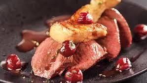 cuisiner le kangourou recette pavé de kangourou au foie gras poêlé et griottes facile pour