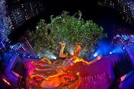 big christmas tree in new york christmas lights decoration