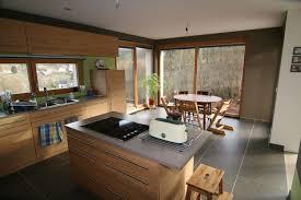 cuisine ilot central cuisson cuisine en l avec ilot central maison design bahbe com