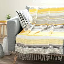 jeté de canapé pas cher jetee de canape pas cher jetac rayac en coton jaune gris 160 x 210