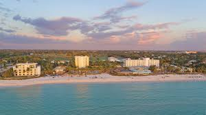 florida s naples hotel golf club serves up thanksgiving week