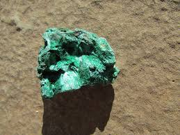 raw malachite crystal fibrous malachite loose stone green