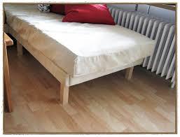 sofa matratze bunte matratzen als sofa interesting faltbare matratze klappbar
