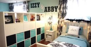 split bedroom mom transforms a dingy basement into a beautiful split bedroom for