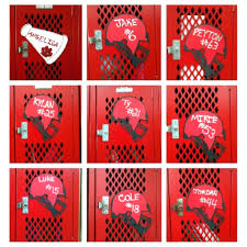 College Wall Decor Decorations Football Cake Decorating Ideas Football Banquet