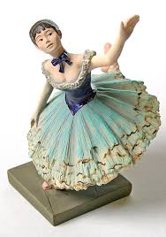 dancers statue degas museum gifts green dancer statue danseuse verte by degas