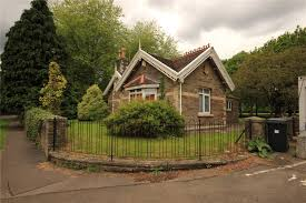 2 bedroom bungalow for sale in beckspool road frenchay bristol