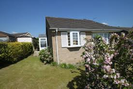 2 bedroom detached bungalow for sale in orchard way brighouse hd6