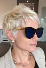 40 short hairstyles for older women that will forever be in style