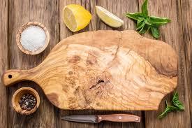 planche à découper cuisine bien nettoyer sa planche à découper