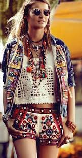 bohemian fashion 17 different fashion styles for everyone enkiverywell