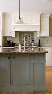 Kitchen Cabinets Without Hardware by Best 20 Tan Kitchen Ideas On Pinterest Tan Kitchen Cabinets
