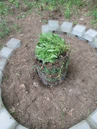 keyhole garden using reclaimed materials 11 steps with pictures