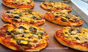 samira cuisine pizza recette de pizza mini pizza sousoukitchen