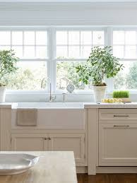 Pictures Of White Kitchen Cabinets by 46 Best Traditional White Kitchens Images On Pinterest White
