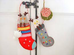 Diy Christmas Reindeer Decorations by Diy Peekaboo Reindeer Stockings Handmade Charlotte