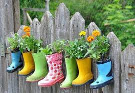 20 ways to recycle shoes for planters cheap decorations and