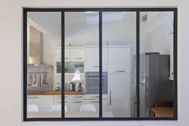 verriere dans une cuisine verrière et cloison atelier d artiste pour une cuisine ou une hotte