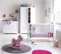 décorer la chambre de bébé chambre bébé fille chambre bébé fille mur en brique et bébé filles