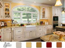 country kitchen cabinet color ideas this cottage kitchen has a lovely country color scheme