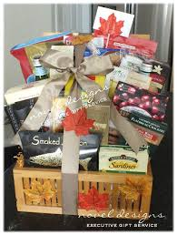 las vegas gift baskets 26 best christmas gift baskets images on christmas