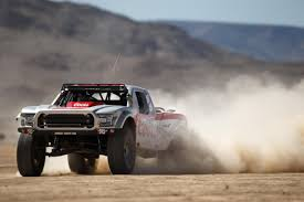 hoonigan truck epic head to head trophy truck battle caught on video moto networks