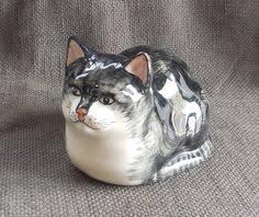 adorable vintage tabby cat studio pottery figurine retro feline