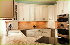 lowes schuler cabinet reviews kitchen cabinet reviews schuler good shaker kitchen cabinets lowes