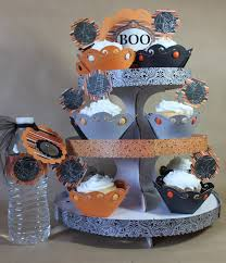 halloween cupcake stands www happynscrappin com