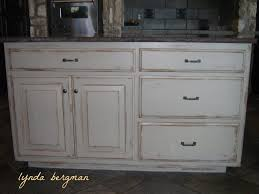 Distressed Kitchen Cabinets Pictures by Distressed White Kitchen Cabinets 3349