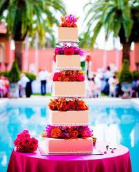 44 beautiful bold tropical wedding cakes happywedd com beach