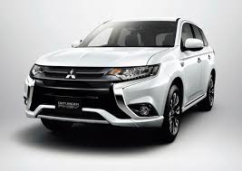 black mitsubishi outlander facelifted mitsubishi outlander phev is more efficient gets
