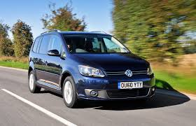 volkswagen touran estate review 2010 2015 parkers