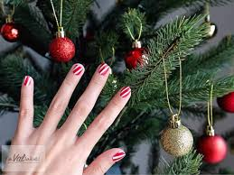 52 astonishingly easy christmas nail designs to flaunt your
