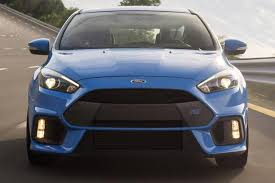 difference between ford focus models 2016 ford focus rs vs 2016 ford focus st what s the difference