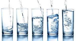 due litri di acqua quanti bicchieri sono dieta dell acqua come funziona quanti chili si perdono e menu di