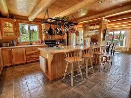 cuisine au bois l odyssée au chalet en bois rond cottages apartments tourist